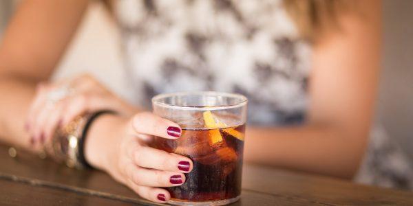 מה קורה אצלכם בגוף אחרי שתיית קוקה קולה?